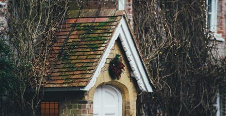 winter-house-roof